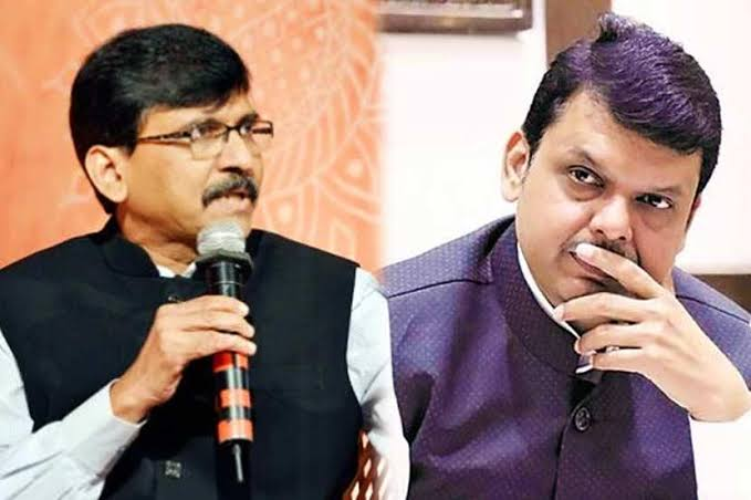 'By using photos of Balasaheb, BJP increased; Don't open the doors to anyone Sanjay Raut on Devendra Fadanvis | 'बाळासाहेबांचे फोटो वापरुन भाजप वाढली; आता कुणीही दरवाजे उघडे करुन बसू नका'