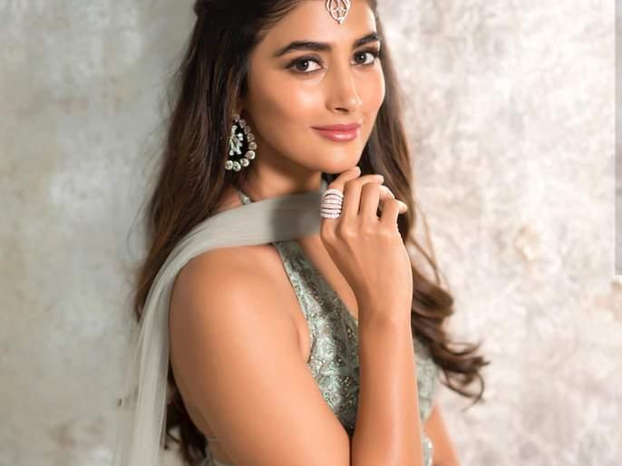 Very hard work to do huga pooja for upcoming movie   आगामी चित्रपटासाठी पूजा हेगडे करतेय खूप मेहनत