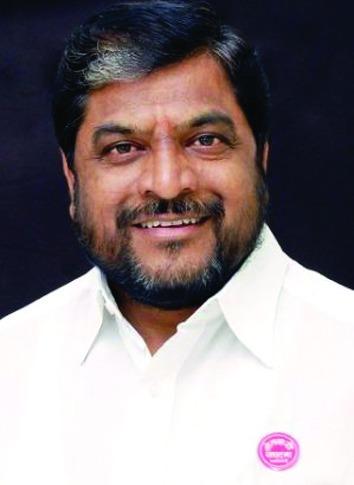 Whether or not the post the farmer's movement will always be the first priority - Raju Shetty | पद असो अथवा नसो शेतकरी चळवळीला कायमच प्रथम प्राधान्य राहणार - राजु शेट्टी