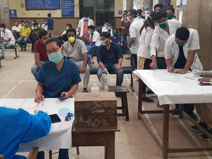 CoronaVirus: Corona positive contact doctor, caretaker screening at Ghati Hospital begins | CoronaVirus : घाटी रुग्णालयात कोरोनाग्रस्तांच्या संपर्कातील डॉक्टर, परिचारिकांची स्क्रिनिंग सुरू
