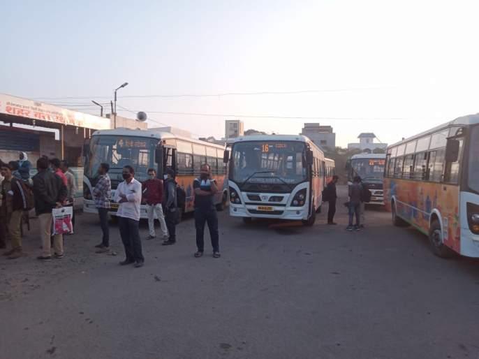 City bus driver beaten by rickshaw driver | सिटी बस चालकाला रिक्षा चालकाची मारहाण; बस सेवा ठप्प