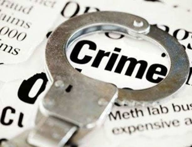 Drinking at the Chinese Center in Bhosari; Charges filed against three | भोसरीत चायनीज सेंटरमध्ये मद्यपान; तिघांवर गुन्हा दाखल