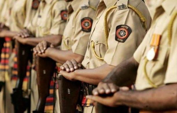 Pune Police Corona News : Increased risk of corona in Pune police force also; | पुणे पोलीस दलातही कोरोनाचा वाढला धोका;१४४ पोलीस अधिकारी, कर्मचारी घेताहेत उपचार