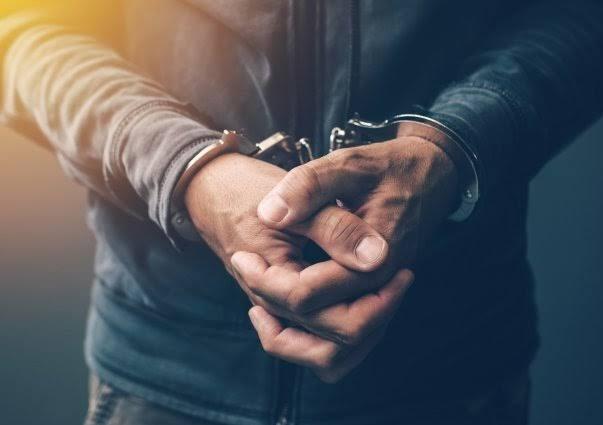 Hadapsar police chases and arrested criminal who involed in 'that' incident of Aundh | औंधमधील 'त्या' घटनेतील सराईतासह दोघांना हडपसर पोलिसांनी पाठलाग करून ठोकल्या बेडया