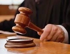 Court work will be done in a single shift of two and a half hours | कोरोनाच्या प्रादुर्भावामुळे न्यायालयीन कामकाज अडीच तासांच्या एकाचशिफ्टमध्ये चालणार; मुंबई उच्च न्यायालयाची नवीन नियमावली