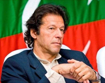 Imran should have given us an opportunity   इमरानला आपण एक संधी द्यायलाच हवी