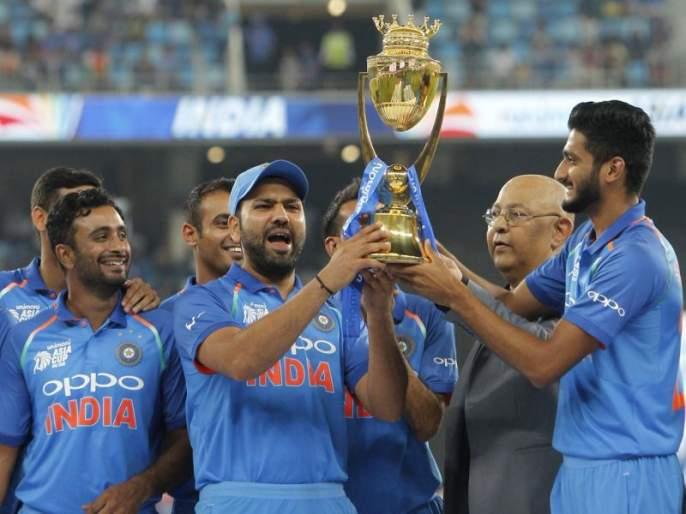 Asia Cup 2018 IND v BAN : India won toss, field fieldings decisionAsia Cup Final LIVE : भारताने नाणेफेक जिंकली, क्षेत्ररक्षणाचा निर्णय | Asia Cup Final : आशिया चषकावर भारताचीच 'सत्ता'