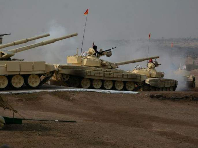 Indian Army's firepower stuns Pakistan, six positions destroyed | भारताच्या तोफखान्यासमोर पाकिस्तान हतबल, रॉकेट हल्ल्यात सहा तळ उडवले