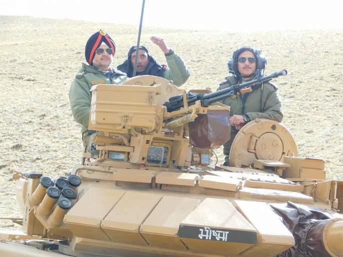 Ladakh: Integrated exercise of the Army, held in eastern Ladakh | चीनच्या सीमेवर लष्कर, हवाईदलाचा धडाकेबाज युद्ध सराव