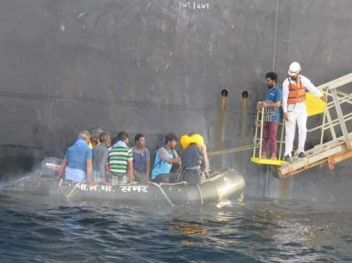 Indian Coast guards rescue 264 distressed fishermen from Arabian Sea | VIDEO: भारतीय तटरक्षक दलाकडून अरबी समुद्रात अडकलेल्या 264 मच्छिमारांची सुटका