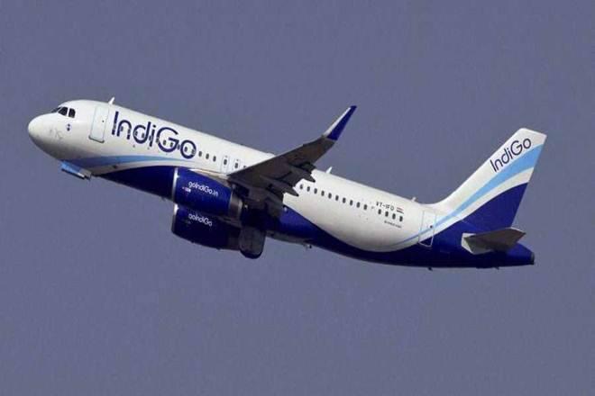 Mumbai-Delhi Railway, no plans to suspend flights | मुंबई-दिल्ली रेल्वे, विमानसेवा स्थगित करण्याचा विचार नाही
