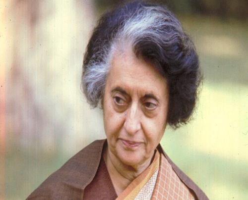 Indiraji was a gentle and loving leader! | इंदिराजी तर मृदु अन् प्रेमळ स्वभावाच्या नेत्या होत्या; गंगाधरपंत कुचन यांनी सांगितल्या आठवणी