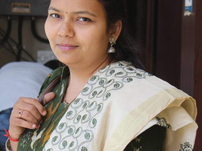 Indumati Ganesh of 'Lokmat' received the best journalist award | 'लोकमत'च्या इंदुमती गणेश यांना उत्कृष्ट पत्रकार पुरस्कार