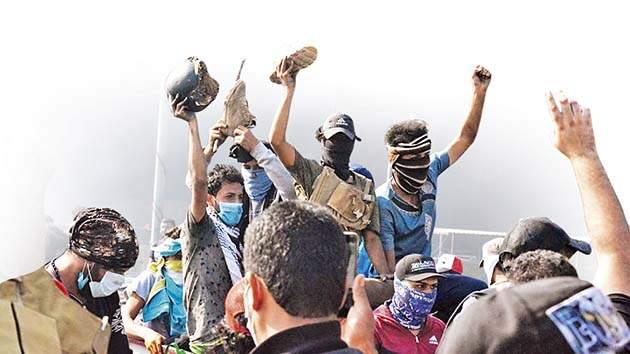 Iraq- students-defiant- protests | पेटून उठलेल्या इराकी तारुण्याचा स्फोट
