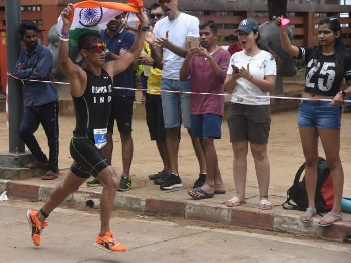 'Indianman' flag on 'Ironman'! | 'आयर्नमॅन'वर भारतीय जवानाचा झेंडा!