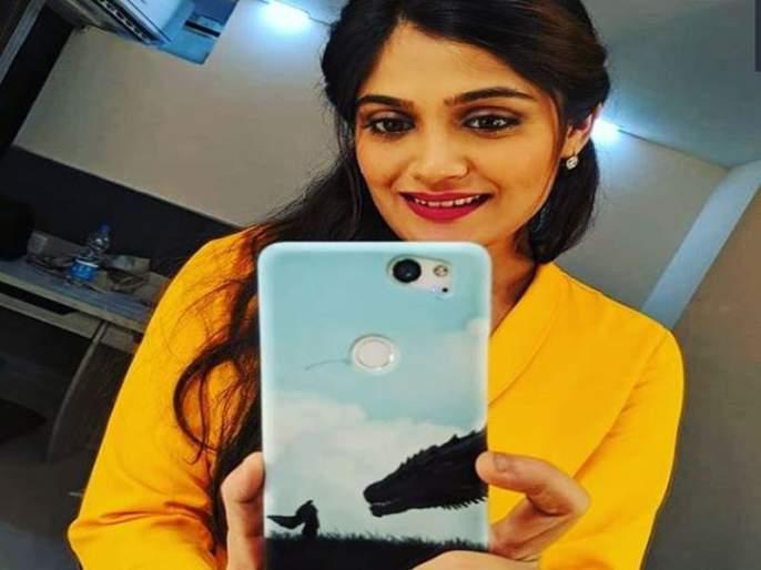 When Isha Keskar Faces Ragging From Mazhya Navryachi Bayko Serial Co-Actors | 'माझ्या नव-याची बायको' मालिकेतील कलाकार जेव्हा इशा केसकरचं करतात रॅगिंग!