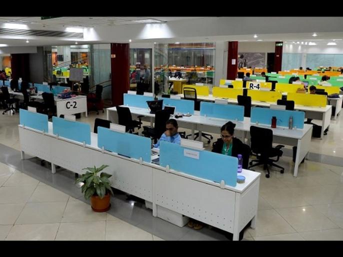 8 lakh jobs in IT sector - Prasad | आयटी सेक्टरमध्ये आल्या ८ लाख नोक ऱ्या −प्रसाद