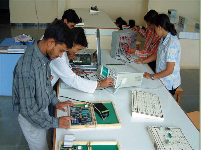 Mumbai, ITI's 8,9 seats vacant | मुंबईत आयटीआयच्या ३,९५२ जागा रिक्त