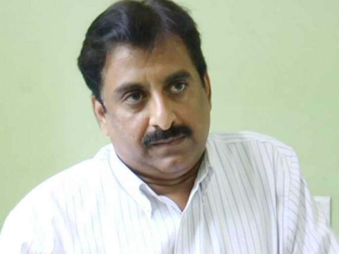 People gave letters to the Collector; MP Jalil is missing   खासदार जलील यांच्यापर्यंत आमच्या वेदना पोहोचवाव्यात; जिल्हाधिकाऱ्यांना निवेदन