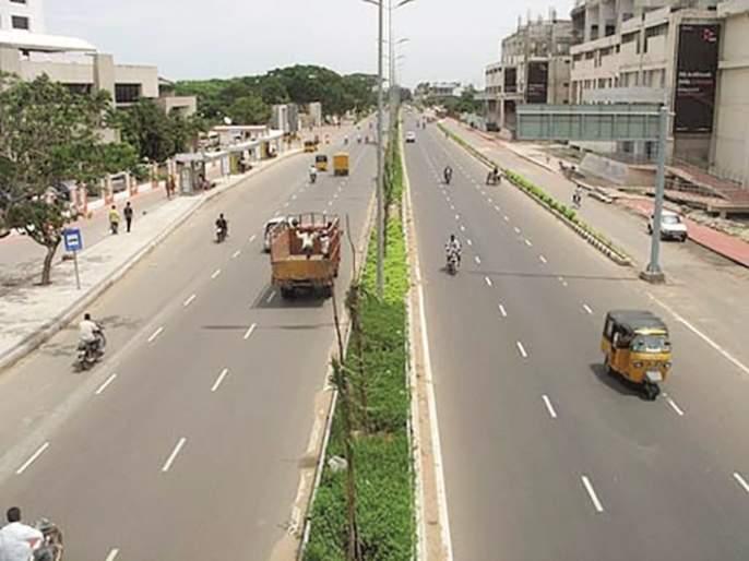 On Jalna Road in Aurangabad, 10 thousand four-wheelers run in 10 hours   औरंगाबादमधील जालना रोडवर १० तासांत धावतात २३ हजार चारचाकी