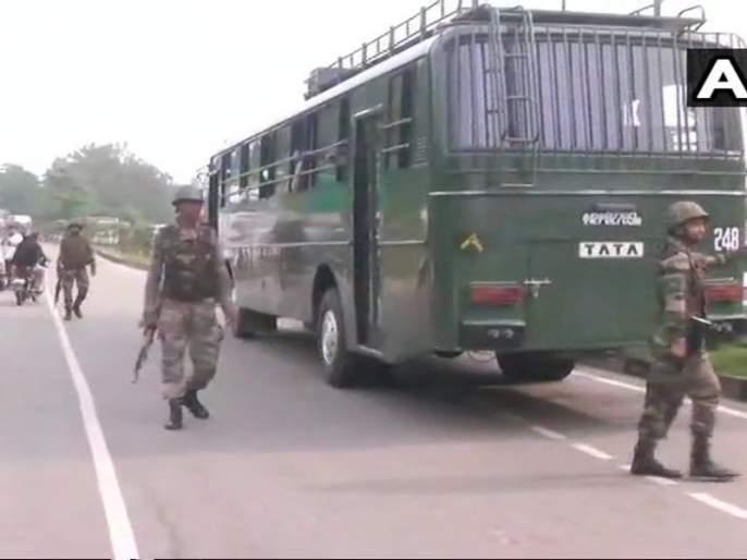terrorist attacked police deployed on jammu srinagar highway | जम्मू-श्रीनगर महामार्गावर पोलिसांवर गोळीबार; दोन संशयित दहशतवादी फरार