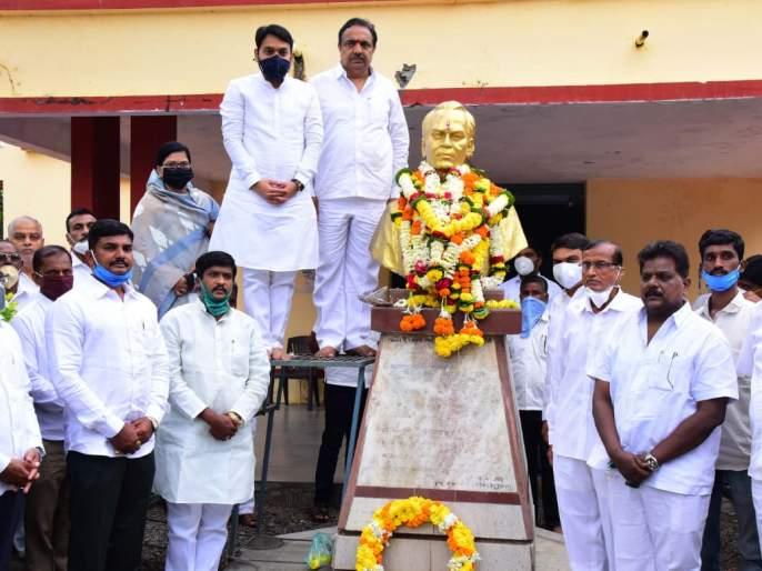 Give Bharat Ratna to Sahitya Ratna Lokshahir Anna Bhau Sathe Jayant Patil | साहित्यरत्न लोकशाहीर अण्णा भाऊ साठे यांना भारतरत्न द्या : जयंत पाटील