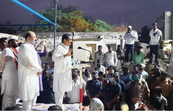 Jayant Patil got wet, Pandharpurkar remembered the meeting of Ansatar | Jayant Patil : जयंत पाटील भिजले, अन् सातारच्या सभेची झाली पंढरपूरकरांना आठवण
