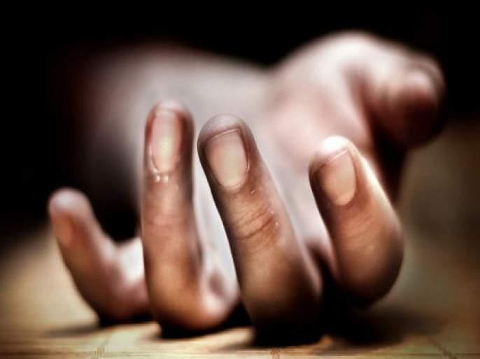 Maharashtra Election 2019: Voting officers die of heart failure while performing election duty   Maharashtra Election 2019:निवडणूकीचेकर्तव्य बजावताना मतदान अधिकाऱ्यांचाहृदयविकाराने मृत्यू