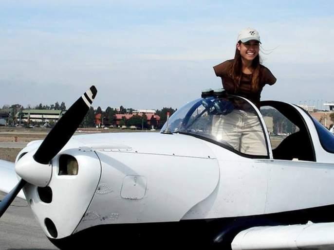 Jessica Cox worlds first licensed Armless pilot and she is Guinness world record holder | जबरदस्त! भेटा जेसिकाला जी पायांनी उडवते विमान, स्कूबा डायविंग अन् घोडेस्वारीचीही आवड!