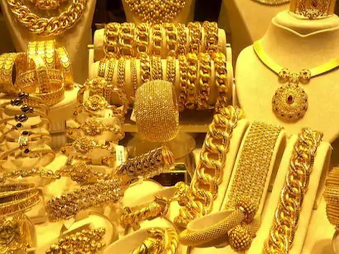 Gold and silver price decrease   सोन्याचे भावघसरले, चांदीच्याहीभावात१२०० रुपयांचीघसरण