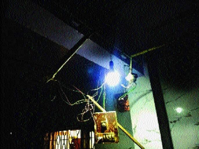 Jogeshwari's hostel dormitory | जोगेश्वरीतील मुलांच्या वसतिगृहाची दुरवस्था