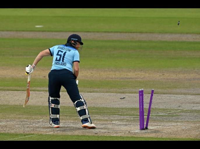 ENG vs AUS, 3rd ODI : Jonny Bairstow's century and half-centuries from Sam Billings and Chris Woakes lead England to 302/7 | ENG vs AUS, 3rd ODI : पहिल्या दोन चेंडूंत पडल्या दोन विकेट्स, त्यानंतरही इंग्लंडनं उभारला धावांचा डोंगर