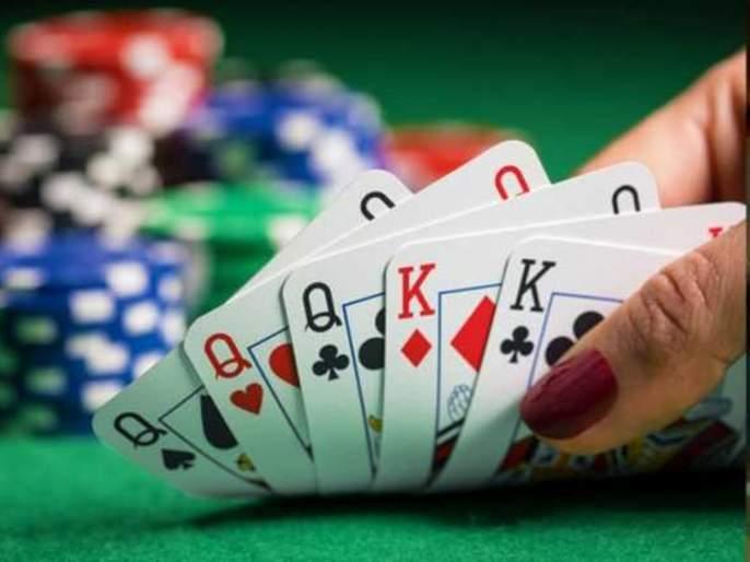 Raid on gambling den in Parbhani; FIR filed against 12 dignitaries | परभणीत जुगार अड्ड्यावर छापा; १२ प्रतिष्ठितांवर गुन्हा दाखल