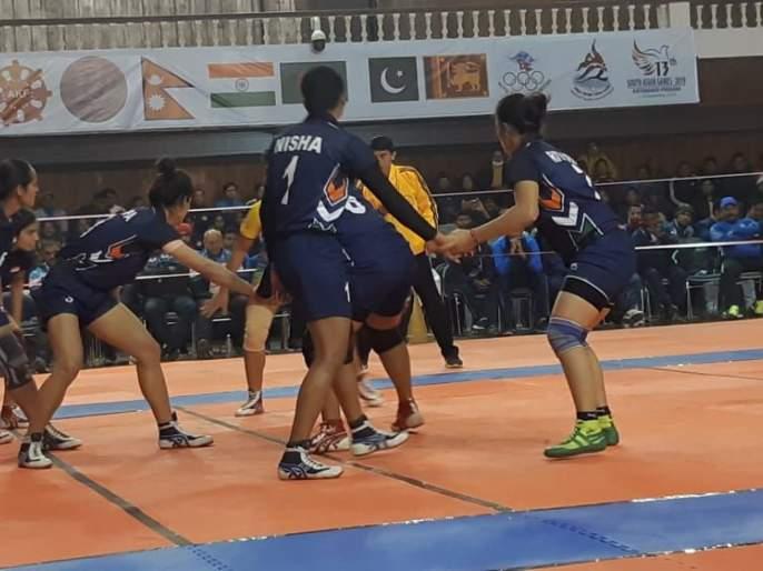 South Asian Games: Indian women's final in kabaddi   दक्षिण आशियाई क्रीडा स्पर्धा :कबड्डीत भारतीय महिला अंतिम फेरीत