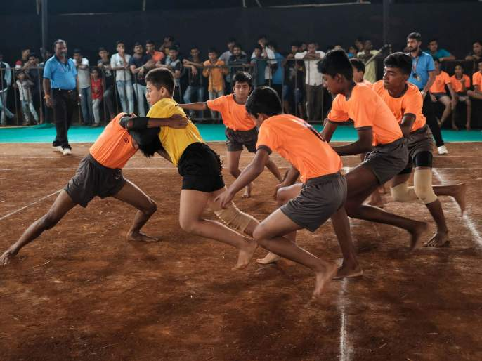 Kabaddi: Sammitra Sports mandal in second round | कबड्डी : सन्मित्र क्रीडा मंडळ दुसऱ्या फेरीत