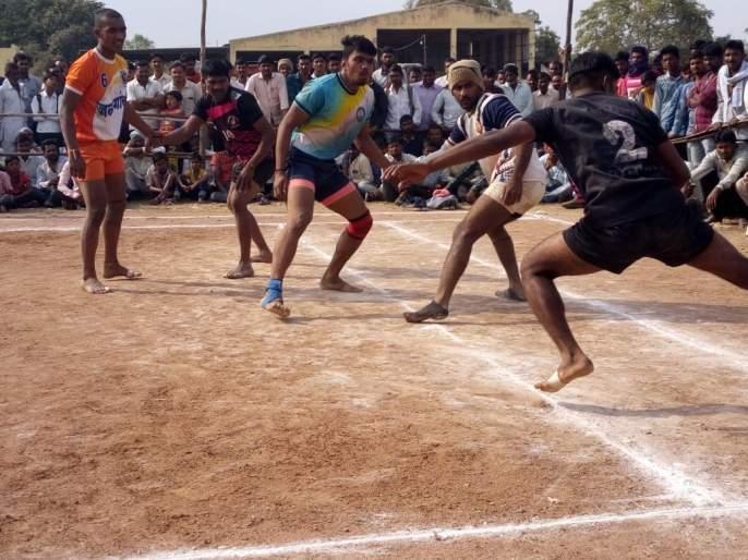 Kabaddi Tournament: Worli Sports club, Vihang mandal enter third round   कबड्डी स्पर्धा :वरळी स्पोर्ट्स,विहंग मंडळतिसऱ्या फेरीत दाखल