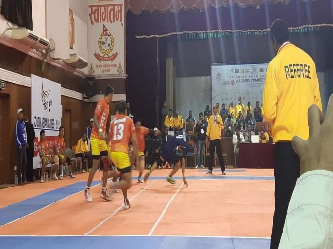 South Asian Games: Indian Kabaddi men and women teams have chance to win double title   दक्षिण आशियाई क्रीडा स्पर्धा : भारतीय कबड्डी संघांना दुहेरी जेतेपदाची संधी