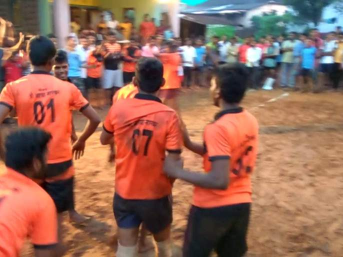 Organizing unlicensed Kabaddi League competition in Dudhondi   दुधोंडीत विनापरवाना कबड्डी लीग स्पर्धेचे आयोजन, धुळ्याच्या संस्थेचा पुढाकार