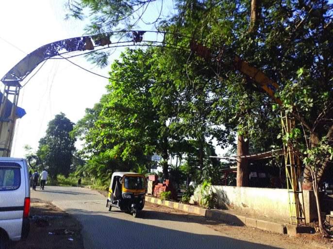 The possibility of a collapse of the Kalamboli Traffic Branch | कळंबोली वाहतूक शाखेची कमान कोसळण्याची शक्यता