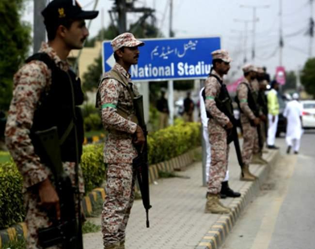 The Sri Lankan team was locked up in a hotel for three days in Pakistan   पाकिस्तानमध्ये तीन दिवस हॉटेलमध्ये बंदिस्त होती श्रीलंकेची टीम