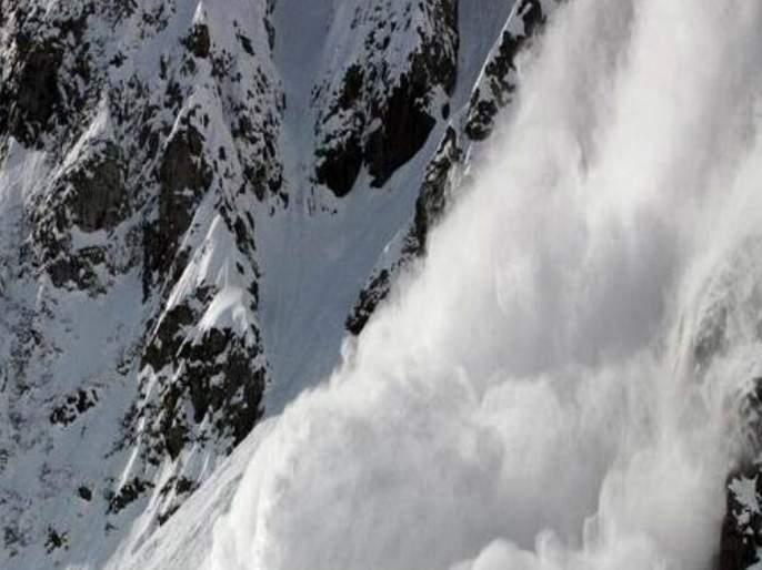 Avalanche Hits Many Areas Of North Kashmir Some soldiers Missing   काश्मीरमध्ये भीषण हिमस्खलनाच्या घटना; काही जवान बेपत्ता