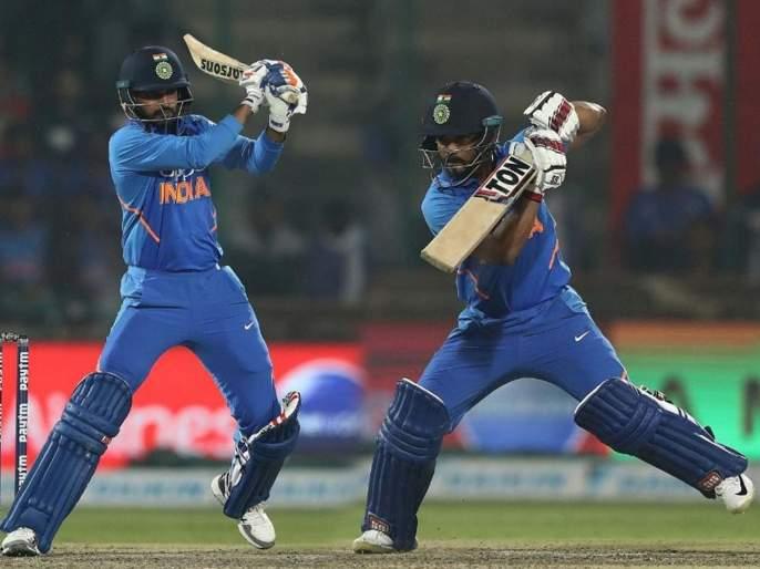 India vs Australia 5th ODI : Kedar Jadhav, Bhuvneshwar Kumar script unique record with 91-run partnership | India vs Australia 5th ODI : भारतीय संघ हरला, पण केदार जाधव, भुवनेश्वर कुमार यांनी इतिहास रचला