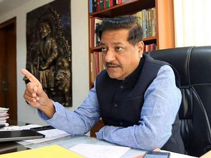 Eknath Shinde denies allegations of misconduct in Fadnavis' prosperity highway | 'समृद्धी' महामार्गात गैरव्यवहार, फडणवीसांवरील आरोप एकनाथ शिंदेंनीच फेटाळला