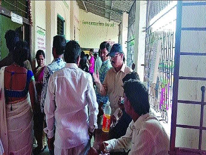 Maharashtra Election 2019: Voting in peace at six centers in Mohpad | Maharashtra Election 2019: मोहोपाड्यातील सहा केंद्रांवर शांततेत मतदान