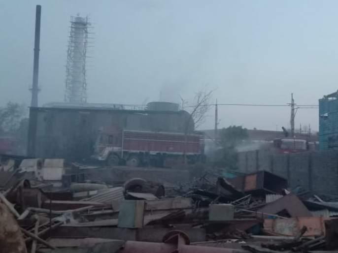 Two workers died in boiler blast in Khamgam | खामगावात बॉयलरच्या स्फोटात दोन कामगारांचा मृत्यू