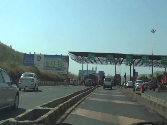 Complete the unfinished road work first later toll collection on the khed shivapur toll plaza | आधी रस्त्याची अपूर्ण कामे पूर्ण करा; नंतरच टोलवसुली ; खेड शिवापूर टोलनाक्यावर शिवसेनेचे आंदोलन