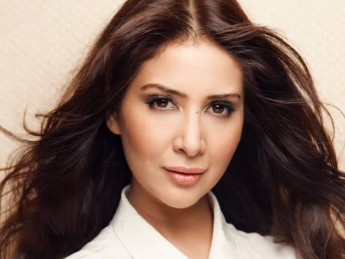 Housemaid has been registered complained to police against actress Kim Sharma | मोलकरणीने केली अभिनेत्री किम शर्माविरोधात पोलिसात तक्रार