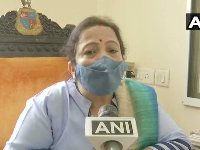 mumbai mayor kishori pednekar says those returning from kumbh mela we are thinking of putting them under quarantine | कुंभमेळ्याहून मुंबईत परतणाऱ्यांना क्वारंटाइन करणार: किशोरी पेडणेकर