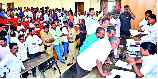 Bhavani pavilion will free 'office' | वाहतूक कोंडीबाबत प्रस्ताव : भवानी मंडप 'कार्यालय' मुक्त करणार