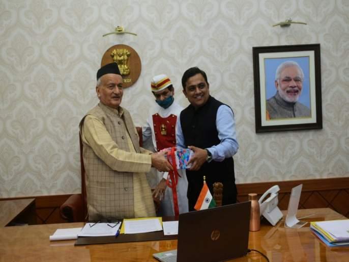 Ayurveda and Allopathy must come together says Governor bhagat singh koshyari | आयुर्वेद आणि अॅलोपथी एकत्र येणे आवश्यक- राज्यपाल